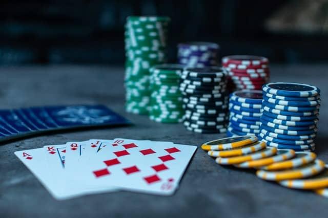 Comment Apprendre à Compter les Cartes au Poker ?