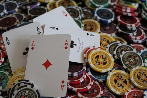 Brelan au Poker : Classement des Mains au Poker