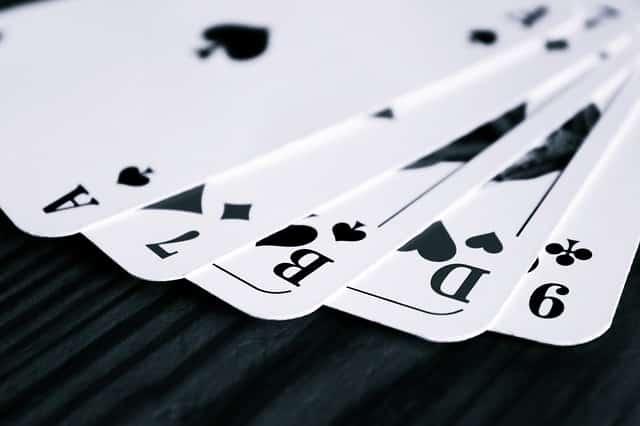 Comment Savoir Qui a la Main Gagnante au Poker ?