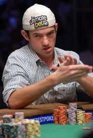 Apprenez à Jouer Au Poker Comme Un Pro Et gagner (+ 7 Astuces au Top)
