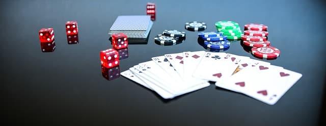 Est-ce que le Poker et le Texas Hold'em sont le Même Jeu ?