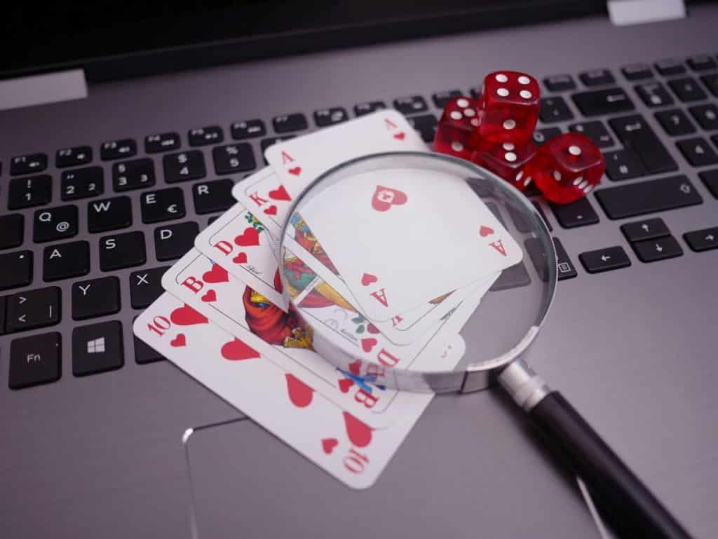 Le Poker en Ligne est-il Truqué ? Voici les Faits (en 2021)